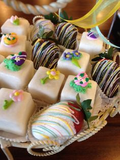 #weddingfavors #petitfours #chocolatestrawberry #desserts #gabrielsdesserts #atlantabakery