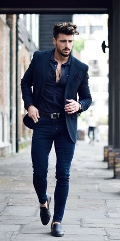 Sometimes men are very confused about what to wear with dark jeans. There are various dark jeans outfit ideas, which you select as per your comfort, color c Suits Outfits, Blazer Outfits Men, Mens Fashion Blazer, Outfits Casual, Stylish Mens Outfits, Mens Fashion Blog, Mode Outfits, Suit Fashion, Men Casual