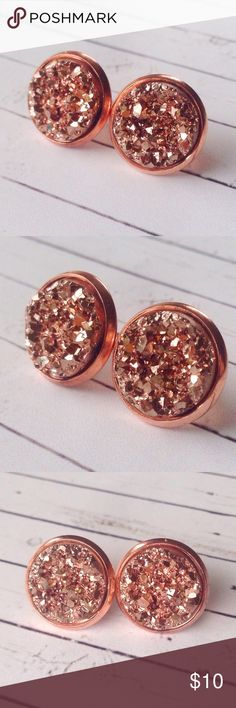 """Rose Gold Faux Druzy Stud Earrings✨Boho Jewelry These gorgeous faux druzy stud earrings are sure to be an attention grabber with their stunning sparkle!   Color is rose gold and the settings are also rose gold. Nickel & lead free. Measures 1/2"""" around. Very comfortable & easy to wear! Handmade by me & brand new. Tags- coachella, music festival, boho, bohemian, gypsy, gypsy soul, minimal, minimalist, spring, summer, fall, gold, crystals, chakra, wedding, hippie, hippy, kimono, glitter, gift…"""