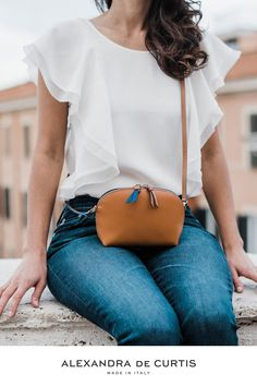Are you looking for a designer leather handbag? Click through to check out this handbag, handmade in Italy with smooth Italian Leather Handbags, Designer Leather Handbags, How To Make Handbags, Leather Design, Ballet Flats, Bucket Bag, Style Inspiration, Purses, Luxury