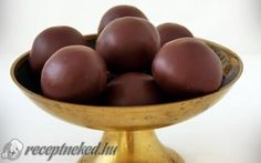 Bounty golyó Decorative Bowls, Candy, Cookies, Fruit, Food, Sweet, Biscuits, Toffee, Meal
