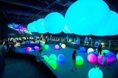teamLab's 1700 sqm huge exhibition in Seoul.  teamLab World: Dance! Art Museum, Learn & Play! Future Park  Lotte World, Seoul, Korea  #팀랩월드 #체험전  #teamLab #チームラボ #art #digitalart #teamLabWorldseoul #teamLabWorld  #interactive #interactiveart #exhibition #seoul #korea #dancing #playing #light  #ball #orchestra #concert #live #music