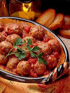 Meatballs in tomato-wine sauce - Holidays