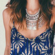 beautiful neck piece and that print!