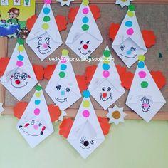 #sanatetkinligi #duskanyonublog #kindergarten #kesmekatlama #okuloncesi #presschool #kidscraft #ocuklarmn #elindenÇocuklarımın elinden ♡♡ Kids Crafts, Diy Crafts Videos, Diy And Crafts, Paper Crafts, Circus Crafts, Carnival Crafts, Clown Party, Wild West Party, Paper Christmas Decorations