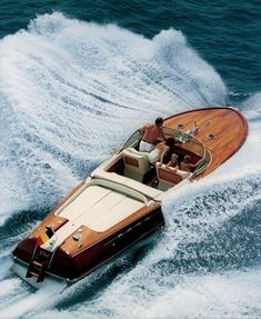 Wooden Speed Boats, Wood Boats, Plywood Boat Plans, Wooden Boat Plans, Yacht Design, Riva Boot, Riva Yachts, Ski Nautique, Bmw X7
