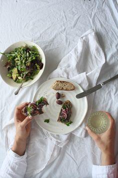 Portobello Mushroom Paté with Quick Red Onion Pickle. Say hello to a new veggie spread!