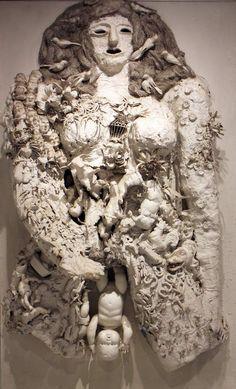 Niki de Saint-Phalle - L'accouchement blanc  (je suis consciente qu'ils sont surement vivants, c'était pour faire le lien avec la photo de Laura Makabresku suivante)
