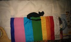 Cat on a set of book in a book quilt Book Quilt, Book Making, Kitchen Furniture, Quilts, Cat, Books, Libros, Kitchen Units, Quilt Sets