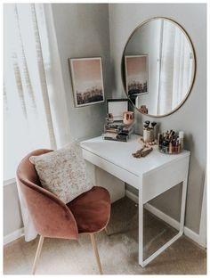 53 Best Makeup Vanities & Cases for Stylish Bedroom #roomideas #makeupvanities #makeuproom ~ vidur.net #homedecor #homedecoration #homes #design #DIY #DIYhomes #crafts