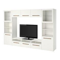 IKEA - БЕСТО, Шкаф для ТВ, комбин/стеклян дверцы, Марвикен белый прозрачное стекло, направляющие ящика, плавно закр, , Благодаря доводчикам ящики и дверцы закрываются плавно и бесшумно.Благодаря нескольким отверстиям на задней панели тумбы под ТВ провода от телевизора и других устройств всегда будут под рукой, но не на виду.Специальное отверстие в верхней панели обеспечит удобное и компактное размещение проводов.