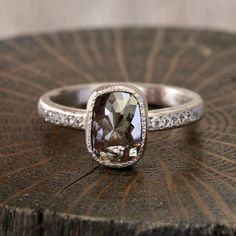 Yasuko Azuma diamond ring
