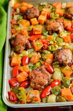 Syn Free Tender Moroccan Chicken with Roasted Sweet Potato Traybake packed with heaps of flavour for a delicious family meal. Slimming World Chicken Recipes, Slimming World Recipes Syn Free, Easy Delicious Recipes, Healthy Recipes, Healthy Meals, Free Recipes, Duck Recipes, Diet Meals, Meal Recipes