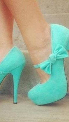 Beautiful teal color high heels with bows. Perfect for prom or any fancy/special. Beautiful teal color high heels with bows. Perfect for prom or any fancy/special occasion Teal High Heels, Hot High Heels, Platform High Heels, High Heel Boots, Nice Heels, Blue Shoes, Mint Shoes, Coral Heels, Turquoise Shoes