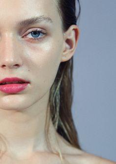 Dewy skin & rosy lips