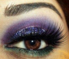 Bold eye makeup for a #bride or #bridesmaid. For more beauty tips and ideas visit www.modernwedding.com.au.