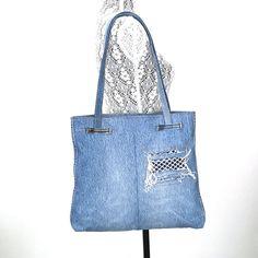 Recycled shoulder bag Blue jean tote bagVegan school bag Denim Purse, Denim Jeans, Jeans Refashion, Ballet Bag, Sewing Jeans, Love Jeans, Cute Tote Bags, How To Make Handbags, Purse Patterns