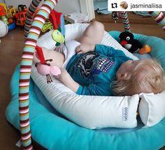 Isoveli testaa kiitos kuvasta ihana @jasminaliisa . #Repost @jasminaliisa (@get_repost)  Leo testas että pesä ja leikkikehä on varmasti siskolle sopivat  #bebiboo @bebiboofinland #unipesä #leikkimatto #vauva2015 #vauva2017 http://ift.tt/2f7b4K4
