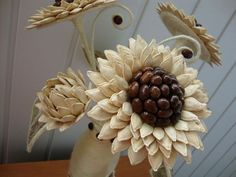 The perfect diy pumpkin seed flower decoration – Artofit Flower Crafts, Diy Flowers, Flower Decorations, Paper Flowers, Diy Crafts Hacks, Diy Home Crafts, Diy Arts And Crafts, Pine Cone Art, Pine Cone Crafts