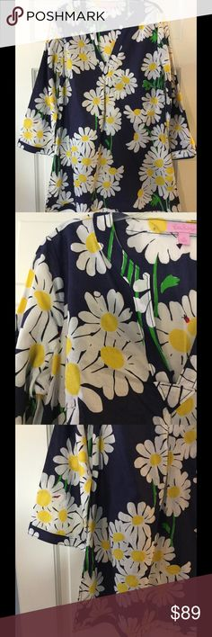 """Lilly Pulitzer Navy Daisy Ladybug Tunic Adorable Lily Pulitzer tunic. 100% cotton. Machine wash and dry. Underarm across 20"""". Length 31"""". Excellent condition. EUC. Lilly Pulitzer Tops Tunics"""