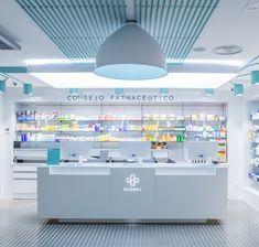 Farmacia Global Shoe Store Design, Jewellery Shop Design, Showroom Interior Design, Interior Work, One Storey House, Retail Counter, Pharmacy Store, Design Exterior, Counter Design