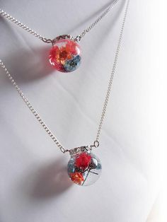 Double chain necklace with real flowers in resin by zusnA on Etsy