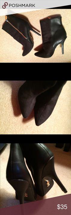 Jenifer Lopez Black Zippered Stiletto Ankle Boots Great condition. Sz 6 M. Stilettos. Monogrammed Hardware. Zippered Jennifer Lopez Shoes Ankle Boots & Booties