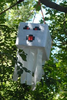 Mamabyrd: How to throw a minecraft birthday party. Pinata.