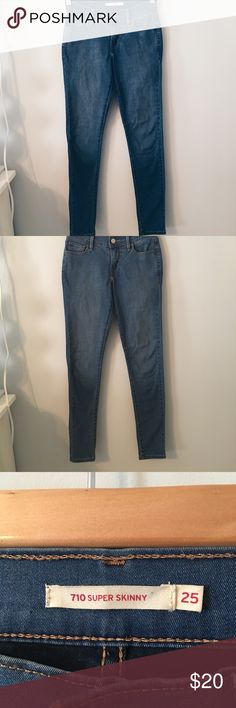 4aad90c6 Women's Levi's Jeans Women's super skinny jeans Size and fit very well.