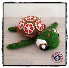 Crochet turtle by Zwooczki on Etsy