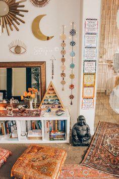 home zen room / home zen room . home zen room meditation space . home zen room interiors . zen home decor living room . yoga room ideas zen space home . home yoga room zen . zen home gym workout rooms . home office zen room Hippy Room, Boho Room, Chakra, Zen Space, Aesthetic Room Decor, Boho Aesthetic, Witch Aesthetic, Meditation Space, Meditation Room Decor