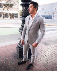 Loving how comfortable and classy this suit by @bonobos feels   need a suit for the day? Go with linen  have you ever tried it? #mensfashion #suit #mensuits #graysuit #bonobos ----------------------------------- Gostei muito desse terno da #bonobos  bem confortável.  precisa de um terno para o dia?  Escolha um terno de linho  ja usou um desses? #terno #terno #fhits #modamasculina