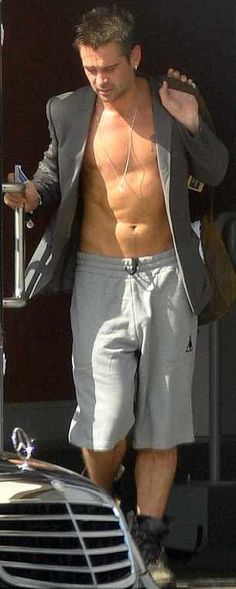 Colin Farell in his Chiseled Chest and Abs!