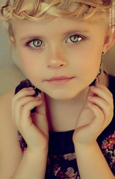 Name - Applewood Andrews Age - 22 Hair Color - Cotton Candy Blue & Pink Eye Color - almond brown - green eyes Skin - Light Tan Fashion - Always Summer Style Precious Children, Beautiful Children, Beautiful Babies, Beautiful People, Pretty Eyes, Cool Eyes, Stunning Eyes, Amazing Eyes, Child Face
