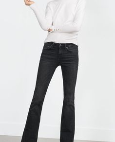 Image 2 of MID-RISE FLARED JEANS from Zara