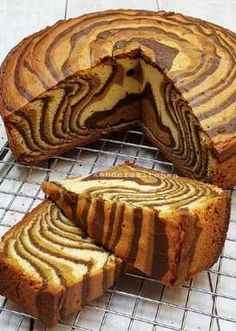 Bolu Macan Candy Recipes, Baking Recipes, Sweet Recipes, Dessert Recipes, Aebleskiver Recipe, Marmer Cake, Bolu Cake, Napoleon Cake, Resep Cake