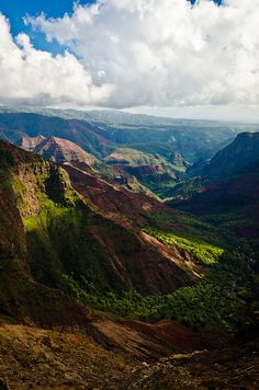 Waimea Canyon - Kauai, Hawaii Photo by Sébastien Clermont-Petit -- National Geographic Your Shot Kauai Hawaii, Hawaii Vacation, Hawaii Travel, Travel Usa, Italy Vacation, Places To Travel, Places To See, Travel Destinations, Beautiful World