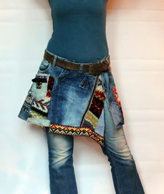 L Crazy denim and sweaters recycled short mini skirt hips warmer hippie boho style - Joyce Rodriquez Hippie Boho, Bohemian Mode, Recycled Denim, Recycled Clothing, Denim Ideas, Black And White Baby, Boho Stil, Jeans Material, Best Wear