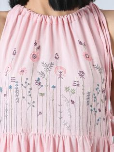 Hand Embroidery Flowers, Embroidery Dress, Embroidered Dresses, Machine Embroidery, Handmade Embroidery Designs, Embroidery Suits Design, Cotton Dresses Online, Soft Pink Dress, Ethnic Fashion