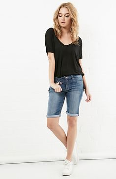 Joe's Jeans Lyndi Easy Denim Bermuda Shorts in Blue 24 - 26 | DAILYLOOK