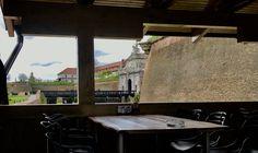 Medieval, Restaurant, Windows, Travel, Design, Viajes, Diner Restaurant, Mid Century, Ramen