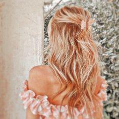 Peach Aesthetic, Aesthetic Hair, Aesthetic Themes, Aesthetic Images, Aesthetic Collage, Summer Aesthetic, Aesthetic Backgrounds, Aesthetic Photo, Aesthetic Fashion