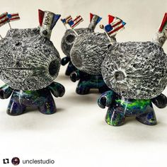Never too early to reveal @newyorkcomiccon Exclusives! Happy to support and represent a variety of custom toys and resin figures from @unclestudio this year. Booth 309! #Repost @unclestudio with @repostapp  Who's ready for #NYCC!? These guys are! They will be available at the @tenacioustoys booth!! . . #dunny #kidrobot #space #moon #galaxy #nebula #universe #usa #rocket #moonman