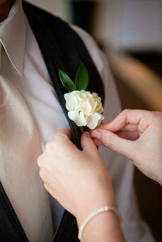 White hydrangea boutonnières. Groom flowers. Mobile, Alabama. The groom gets flowers too! #alabamaweddingplanner #groom #lydianobleevents
