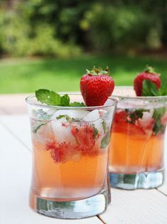 Strawberry-mango mojito is delicious mixed drink with nice combination of fresh strawberries and mango rum.Yummy!!!!