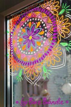 Vorlagenmappe Sonnentage & Blütenträume – Bine Brändle - Татьянин День Открытки Mandala Art, Windows Color, Painted Window Art, Window Markers, Vintage Bedroom Furniture, Chalk Markers, Marker Art, Chalkboard Art, Chalk Art