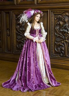 Antonia, Magenta Renaissance - love the over dress maybe in a different color