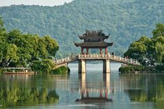 Explore West Lake (Xī Hú), Hangzhou, China (UNESCO site) - Bucket List Dream from TripBucket
