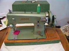 Vintage GREEN Jones D59 Hand Crank Sewing Machine
