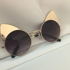 Fun cat eye sunglasses metal! Cat Eye Fashion sunglasses ! Fun Fun Fun wear these with red lips and big hair and hv a blast! I'll be honest I received more compliments from men then women however I don't let people put me in a fashion box I take risks and make my own fashion rules you should too No brand Accessories Sunglasses